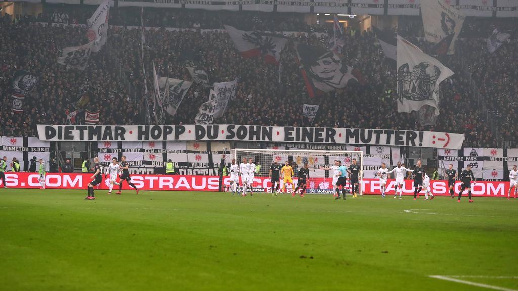 愤怒的球迷可以提供更多德甲旗帜头条