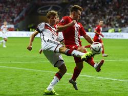 Maciej Rybus (r.) kann bei der EM wohl nicht erneut gegen Deutschland auflaufen