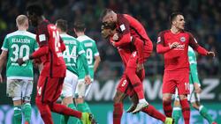 Eintracht Frankfurt freut sich über einen Punktgewinn bei Werder Bremen