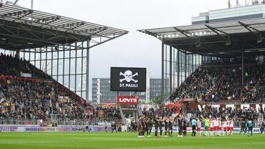 Der FC St. Pauli darf sein nächstes Heimspiel vor 15.000 Fans bestreiten