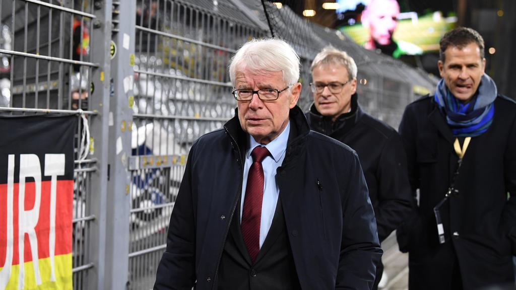 BVB-Präsident Reinhard Rauball erhält die DOSB-Ehrennadel