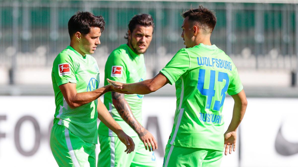 Josip Brekalo (l.) traf im Test gegen Kiel doppelt