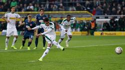 Thorgan Hazard verwandelt für Gladbach zum 1:0