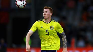 HSV-Spieler David Bates und die Schotten verlieren deutlich gegen Kasachstan