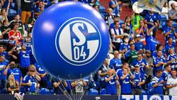 Der FC Schalke 04 hat den Dauerkartenverkauf vorzeitig beendet