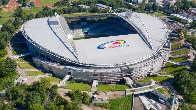 Die Red-Bull-Arenam die Heimspielstätte von RB Leipzig