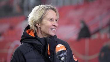 Martina Voss-Tecklenburg bleibt Bundestrainerin