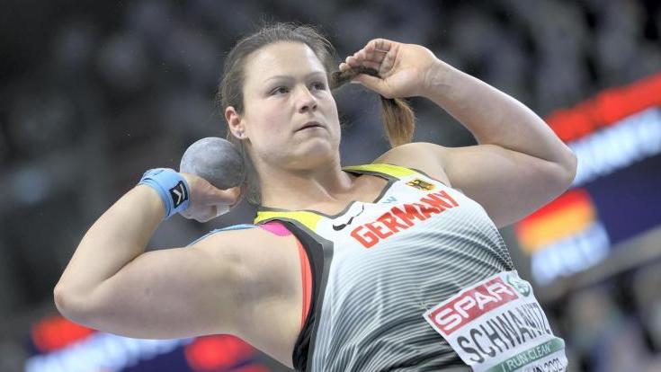 Holte in Torun im ersten Versuch mit 18,86 Meter die beste Weite und steht im Finale: Christina Schwanitz