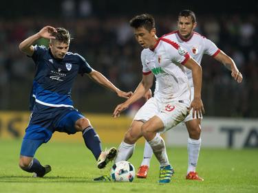 Ja-cheol Koo (re.) brachte den FCA mit 1:0 in Führung