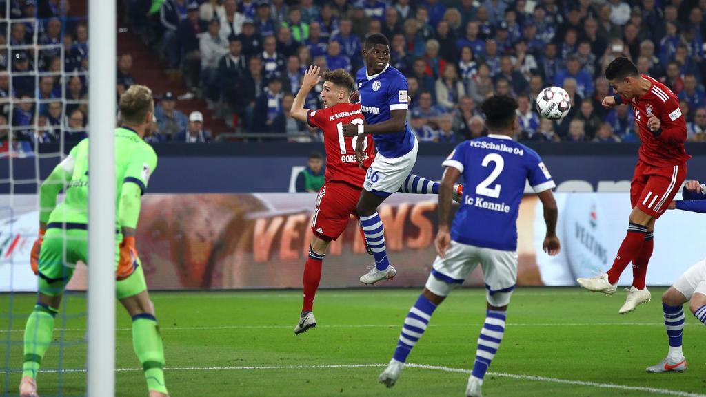 James (r.) köpfte das 1:0 für den FC Bayern