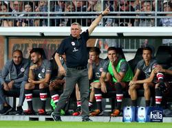 Pauli-Trainer Olaf Janßen sah eine hochklassige Partie gegen Dynamo Dresden