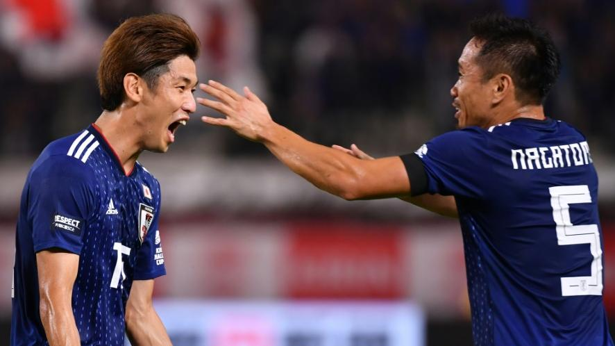 Yuya Osako von Werder Bremen (l.) erzielte einen Treffer für Japan
