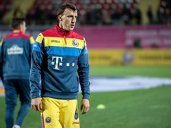 Rumäniens Kapitän Vlad Chiricheș meldete sich fit für den EM-Auftakt