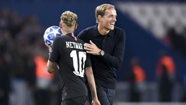 Neymar y Tuchel bromean tras el partido investigado. (Foto: Imago)