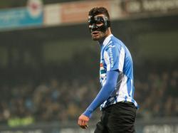 In een oefenduel liep Rai Vloet een gebroken jukbeen op, dus in de bekerwedstrijd tegen sc Heerenveen moet hij met een masker op spelen. (27-10-2016)