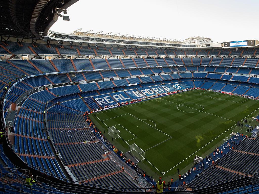 Diashow estadio santiago bernab u der spanische tempel for Estadio bernabeu puerta 0