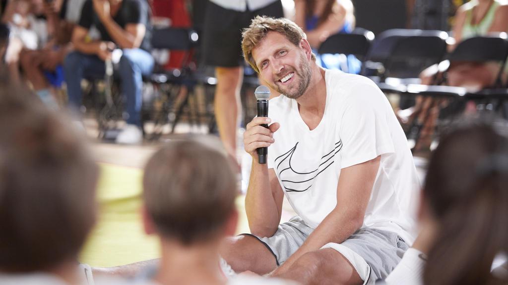 Dirk Nowitzki lässt es sich nach dem Rückzug aus der NBA gutgehen