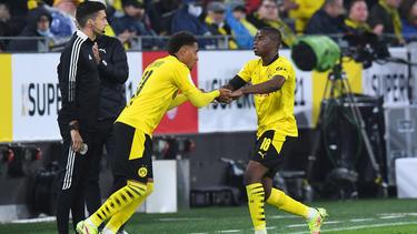 Donyell Malen (l.) und Youssoufa Moukoko (r.) könnten dem BVB gegen Köln wieder zur Verfügung stehen