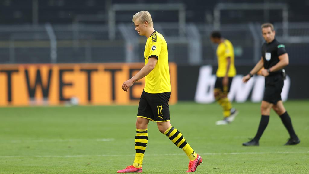 BVB-Stürmer Haaland verletzte sich gegen Bayern nach einem Zusammenprall mit Schiedsrichter Stieler