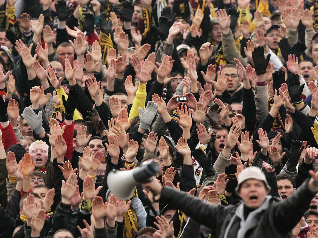 Deutsche Fans hatten im September mit Nazi-Parolen für einen Eklat gesorgt