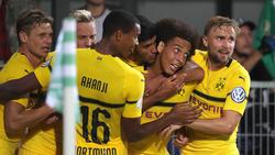 Axel Witsel (M.) traf in der Nachspielzeit zum glücklichen und zwischenzeitlichen 1:1