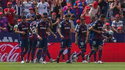 El Levante (5º) y el Valencia (15º) no pasaron del empate. (Foto: Imago)