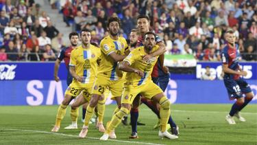 Borja Iglesias (#7) marcó su primer doblete en Primera en Huesca. (Foto: Getty)
