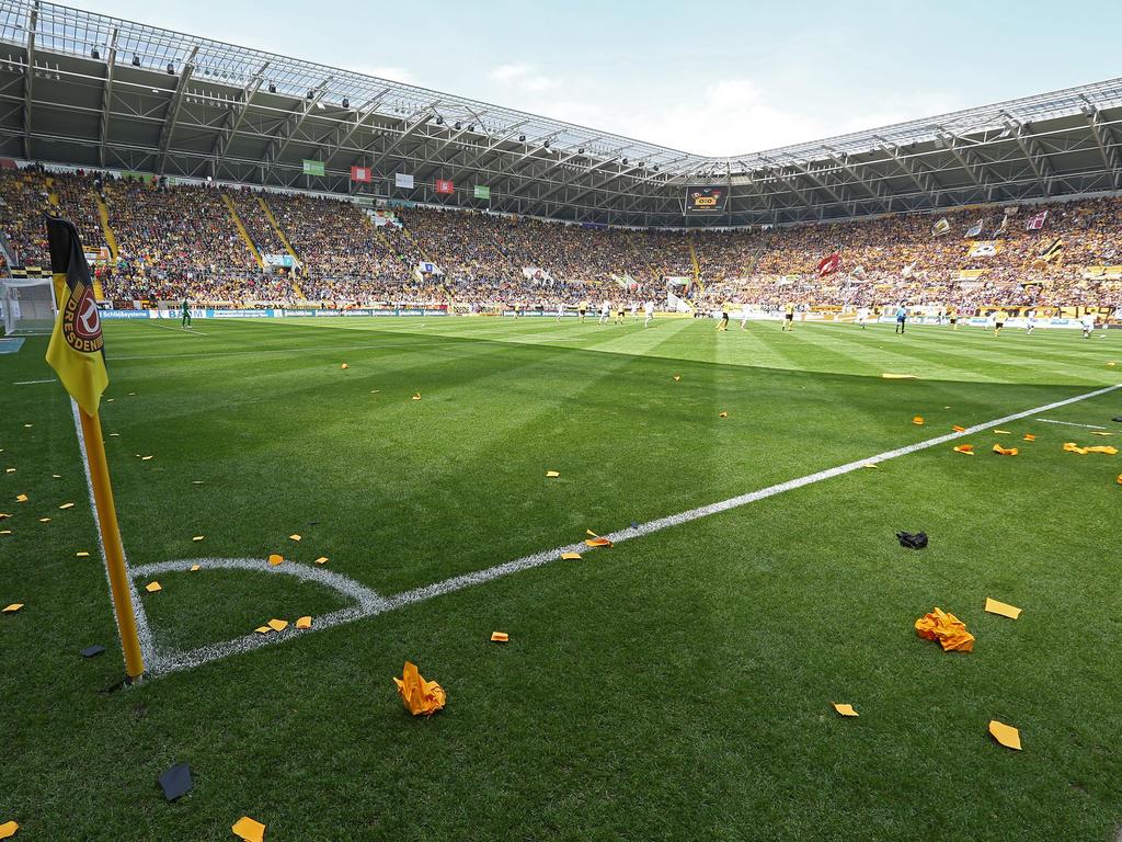 Dynamo Dresden erhält einen neuen Rasen