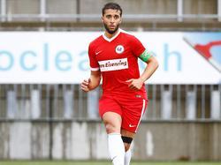 Guy Ramos krijgt speelminuten tijdens het oefenduel FC Wil 1900 - FC Rapperswil (02-07-2016).