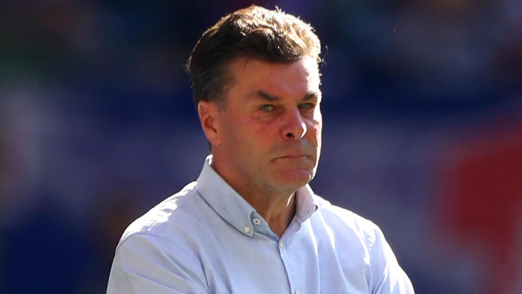 Dieter Hecking steht mit dem HSV an der Tabellenspitze der 2. Liga