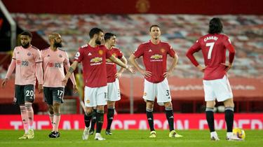 El Manchester United ha cedido el liderato a sus vecinos del City.