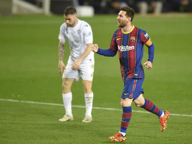 Messi celebra su doblete al Huesca.