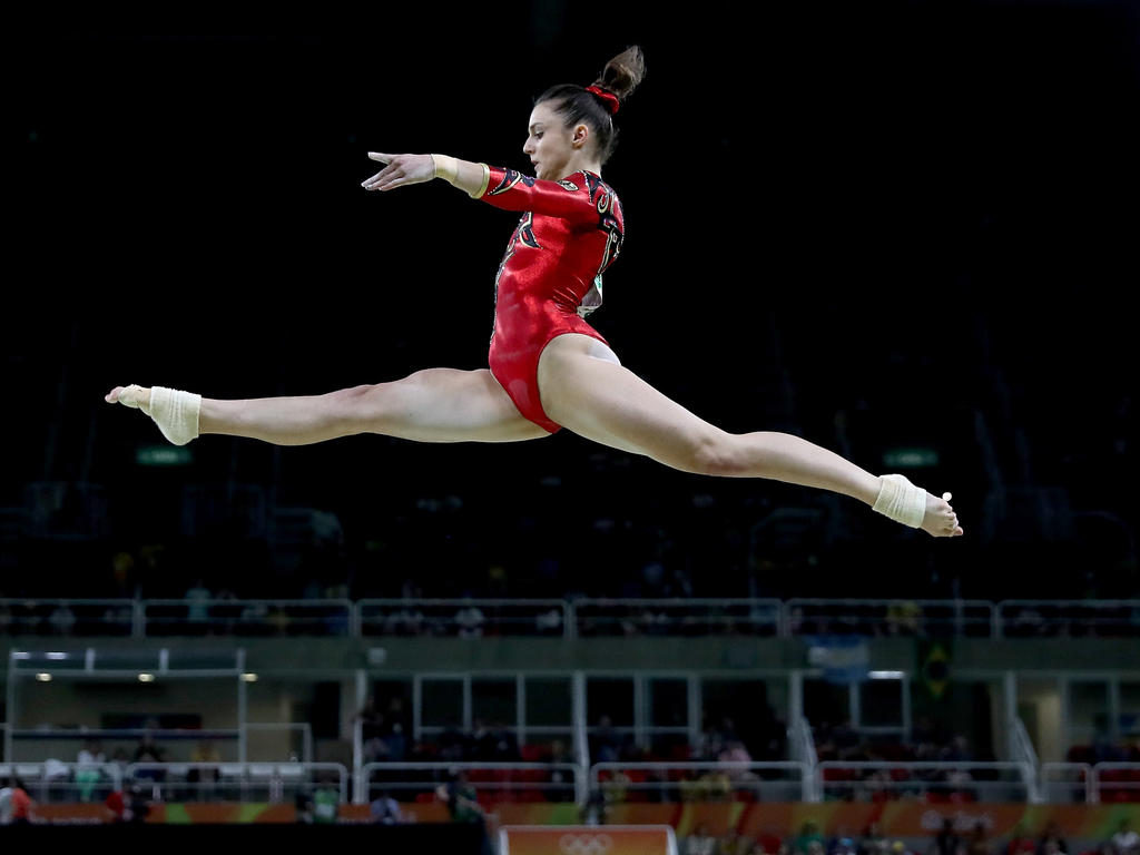 Pauline Schäfer hat Geschichte geschrieben und WM-Gold am Schwebebalken gewonnen