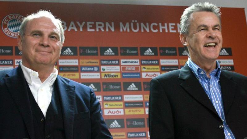 Hitzfeld (r.) arbeitete jahrelang mit Hoeneß in München zusammen