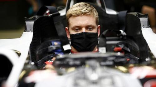 Mick Schumacher bei der Sitzprobe im Haas VF20 am Mittwoch in Bahrain