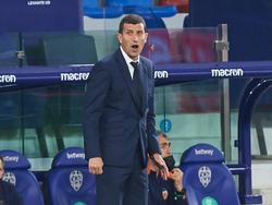 Javi Gracia abandona Mestalla tras una campaña gris.