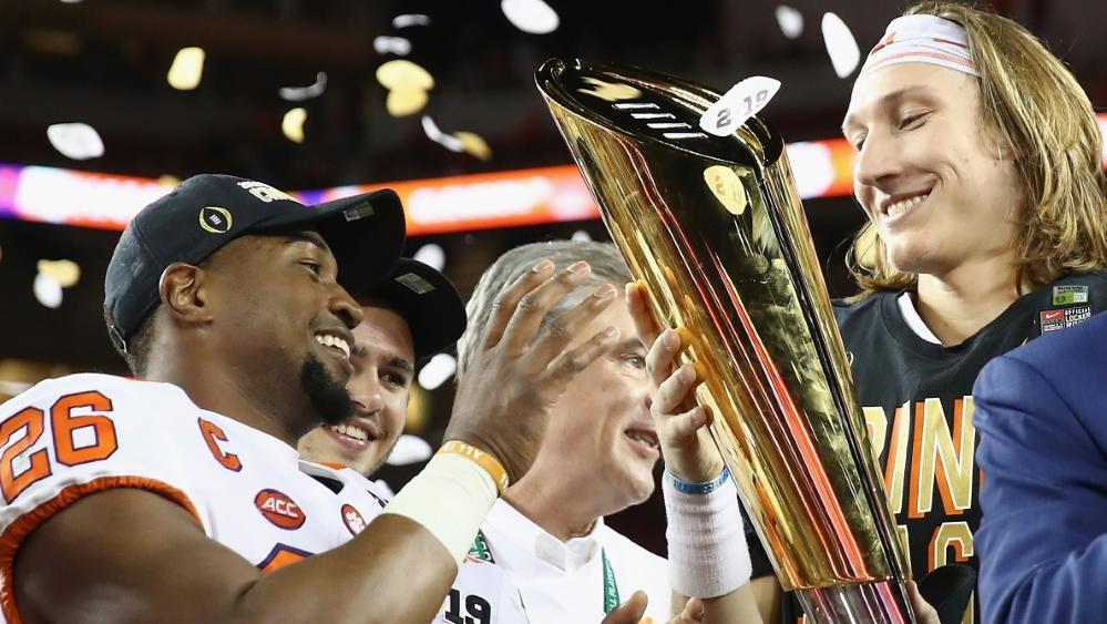 Trevor Lawrence (r.) und die Tigers triumphieren