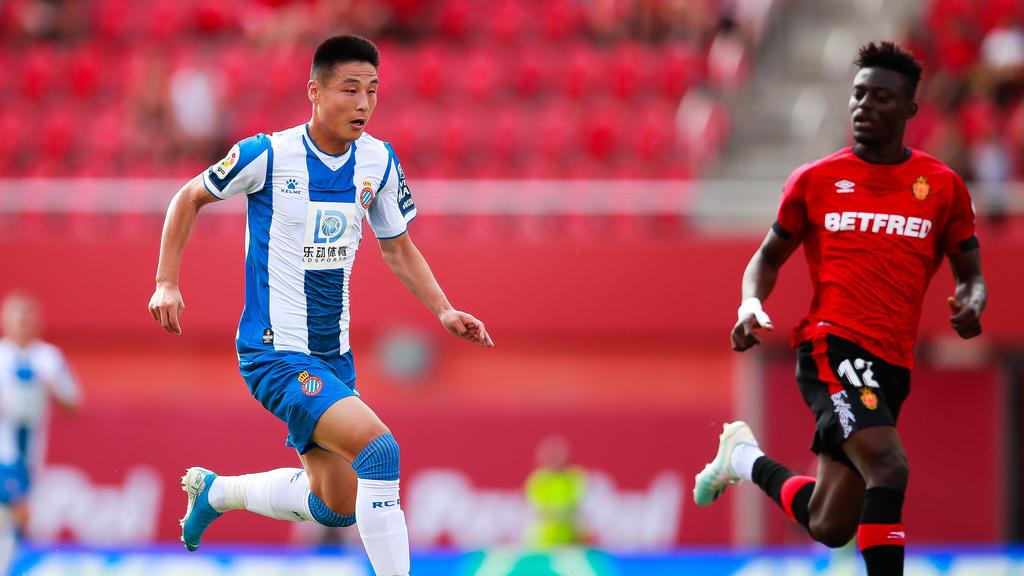 中国足球明星武磊有冠状病毒在西班牙