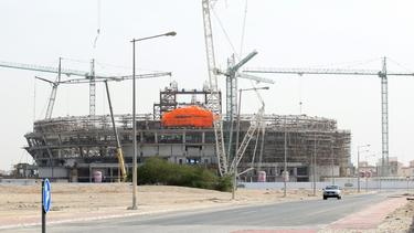 Erster Corona-Toter auf Stadionbaustellen in Katar