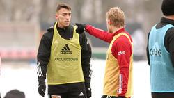 Petar Musa (l.) trainiert bei Union schon fleißig mit