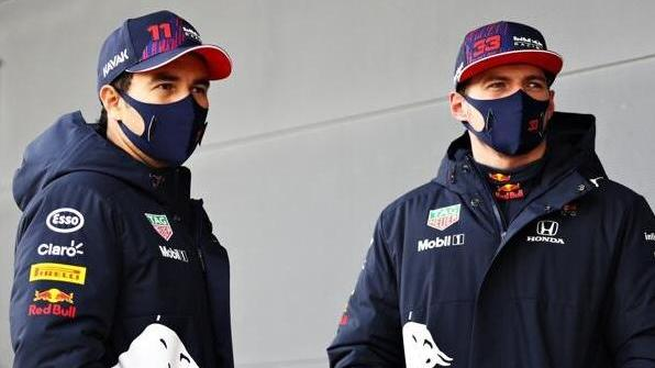 Max Verstappen bekommt mit Sergio Pérez (l.) den vierten Teamkollegen in kurzer Zeit