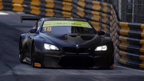 Der Walkenhorst-BMW wird beim Test in der Carbon-Optik zu sehen sein