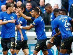 De spelers van Club Brugge vieren het doelpunt van Ricardo van Rhijn (m.) tegen AA Gent. (02-10-2016)