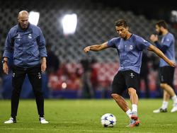 Zidane en una sesión preparatoria de la Champions con CR. (Foto: Getty)
