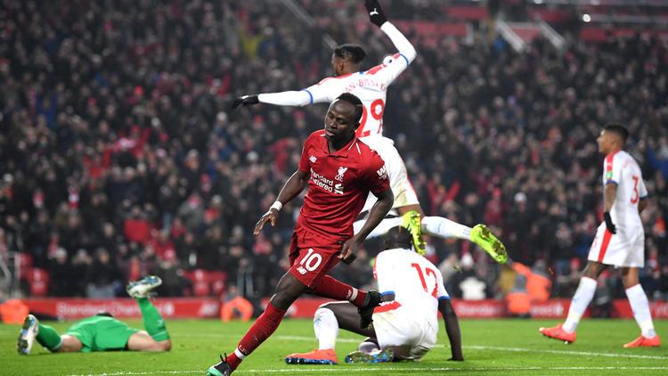 Sadio Mané dreht nach seinem Treffer zum Jubeln ab