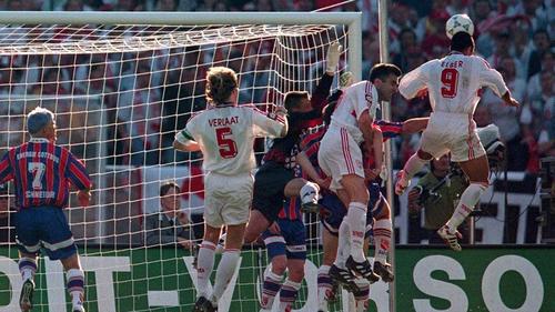 1997 stand der FC Energie im Pokalfinale gegen den VfB Stuttgart (0:2)