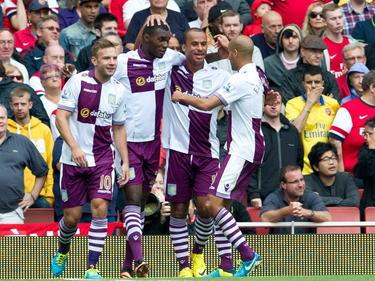 Andreas Weimann (li.) und seine Teamkollegen von Aston Villa durften nach zwei Niederlagen in der Premier League wieder jubeln.