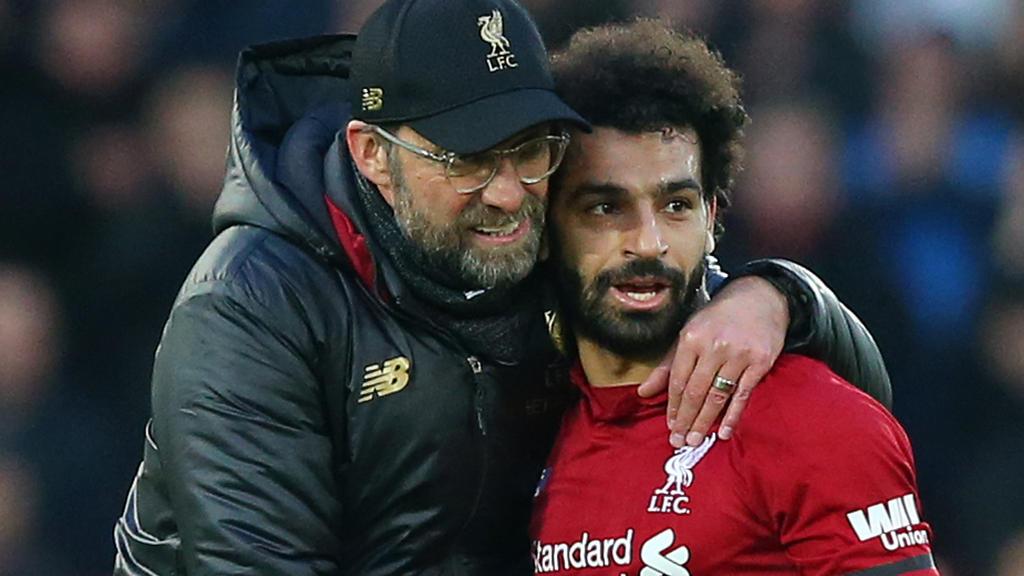 Steckt beim FC Liverpool in einer Torkrise: Mohamed Salah (r.)