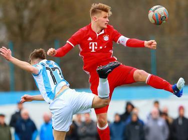Lars Mai (r.) trifft mit Bayerns U17 im DM-Halbfinale auf Schalke 04