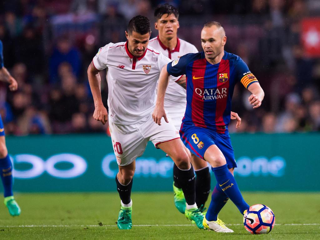 c1e1a71dda20a2 Primera División » acutalités » Andres Iniesta renews Barca contract ...